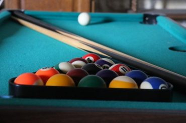 table de billard moderne et pratique